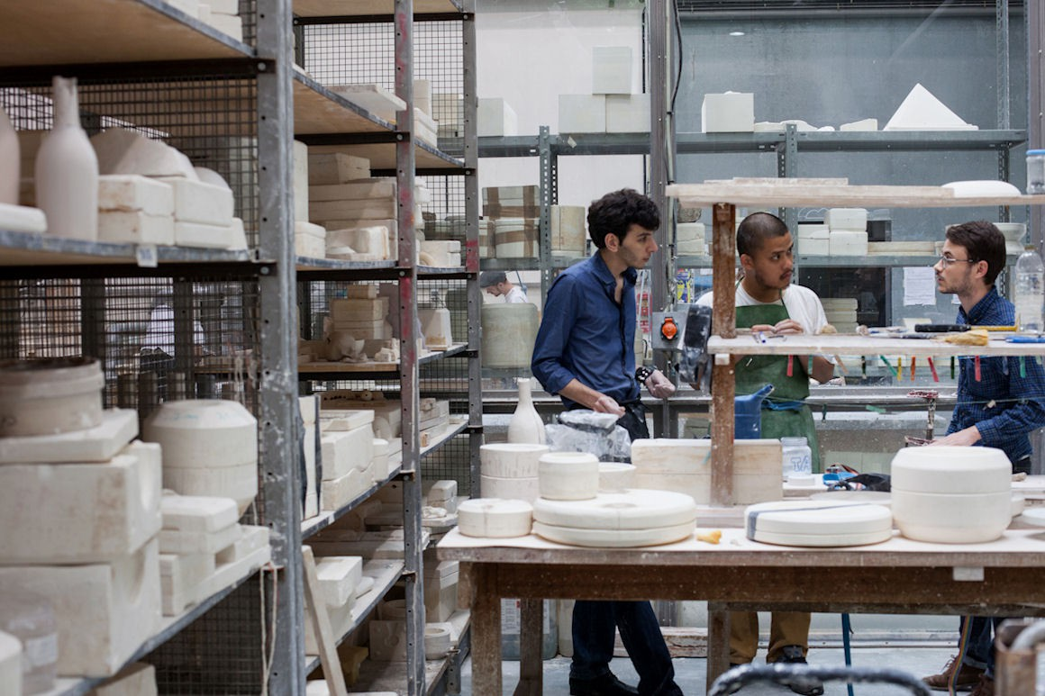 Photo : atelier porcelaine. Crédit photo : Marie-Pierre Saunier