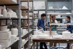 Photo : atelier porcelaine. Crédit photo : Marie-Pierre Saunier