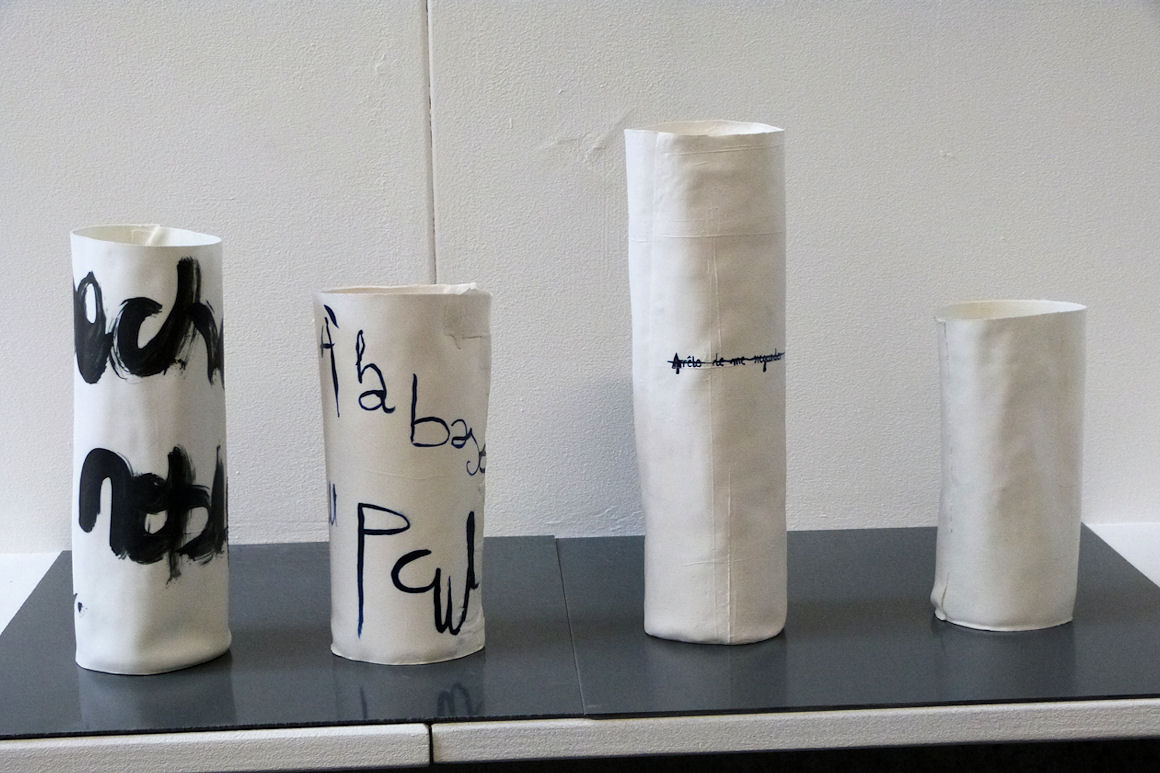 Photo : réalisations faites dans le cadre du workshop « Fin comme un morceau de papier » avec Fabienne Yvert - Charivari 2016