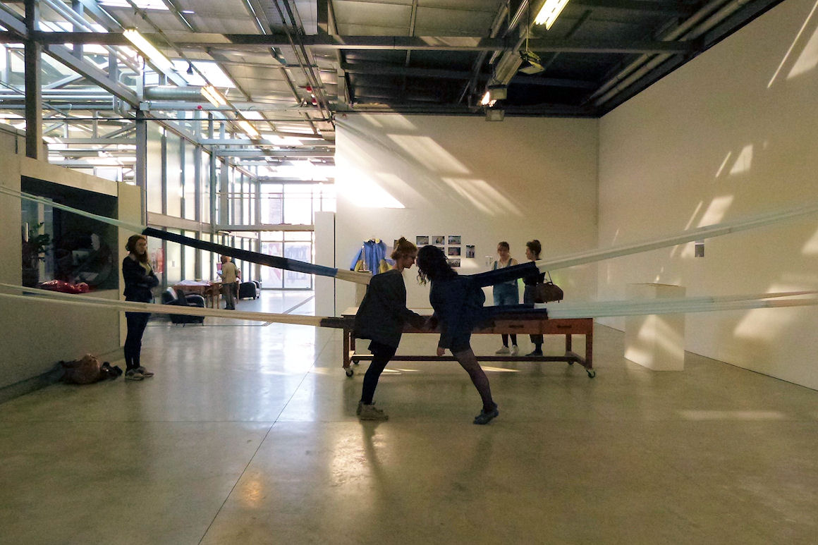 Photo : workshop « en habits, habiter l'espace » avec Kristina Depaulis - Charivari 2016
