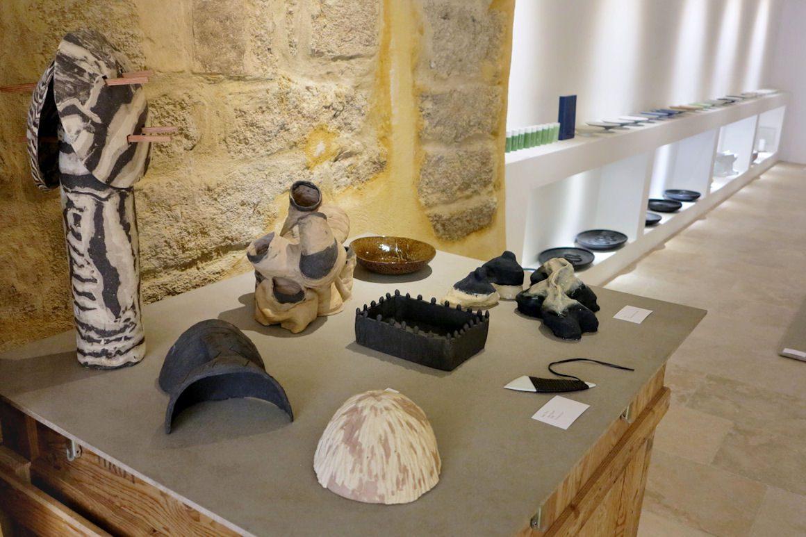 """photo dans le cadre de l'exposition """"Sortie de fours"""" à Saint-Quentin la Poterie"""