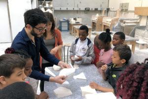 Photo : Gwenaël Prost, Nadège Mouyssinat et les élèves de l'école Joliot Curie à Limoges