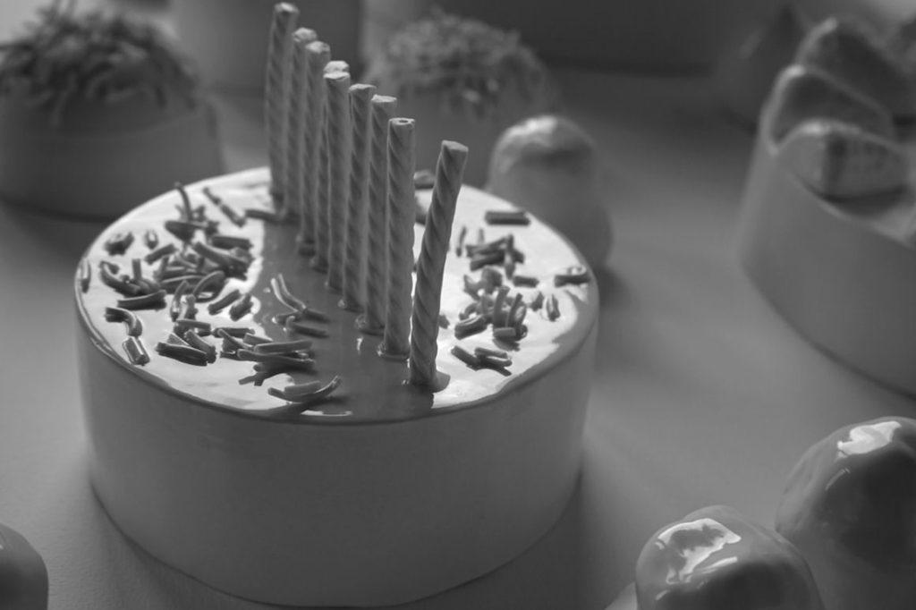 Photo : porcelaine installation Joyeux A.