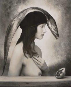 photographie : Joël-Peter Witkin, (femme poisson vue de profil)