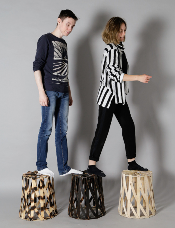 """Photo : visuel pour l'exposition """"Please take a seat ! """", tête brûlée par Aimy Vaillant et Théo Jeanniard"""